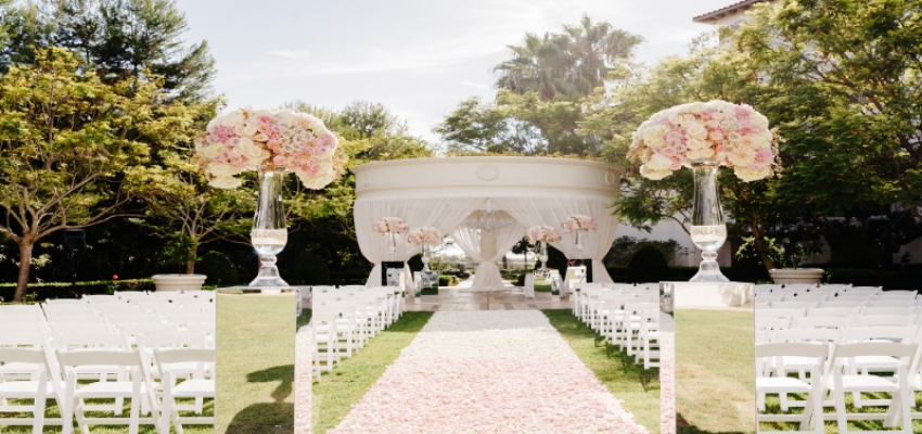 Want a luxury wedding Here's a secret to planning the one