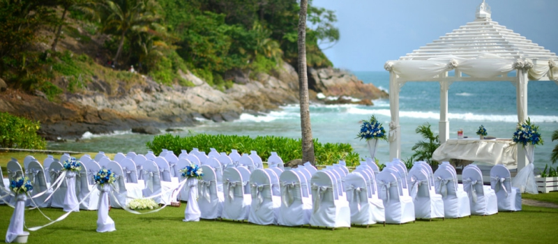 Plan a luxurious beach wedding in the paradise islands of Greece